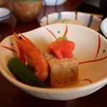 清水 順正 おかべ家 - 海老、五目豆腐、おくら、小芋、生麩の炊き合わせ