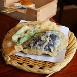 清水 順正 おかべ家 - 茄子、南瓜、さつまいも、蓮根、ししとうの天ぷら
