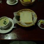 一茶寮 - 蒸しパンとスープ