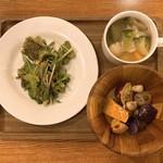 YY grill - 料理写真:シーザーサラダとか