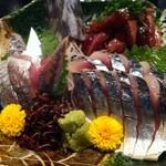 炙里 - 新鮮な刺身盛り合わせ