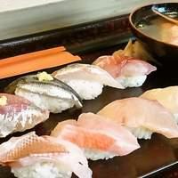 寿し忠 - 【おすすめ】地魚寿し盛り合わせ