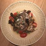 炭とワインと日本酒 イルフェソワフ - 真鯛のお頭のアクアパッツァ風