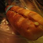119105721 - 味噌バターパン