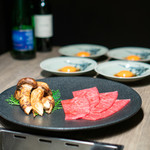 USHIGORO S. - 鳥取県田村牧場 炙り松茸ザブトンのすき焼き