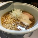 らーめん三極志 - 料理写真:醤油ラーメン