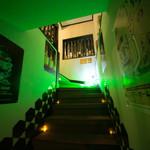 DINING BAR WOODBELL - 外観写真:入口を入って、奥の階段を上って頂くと当店です。