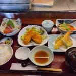 一休 - 料理写真:日替わり定食A