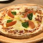 まるごと肉酒場 g (グラム) - 完熟トマトのマルゲリータ