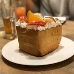 まるごと肉酒場 g (グラム) - オリジナルハニートースト/1280円