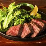 黒姫鶏舎 - 信州和牛の赤身ステーキ