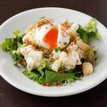 黒姫鶏舎 - たっぷりベーコンと半熟卵のポテトサラダ