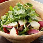 黒姫鶏舎 - 信州リンゴと野菜のサラダ