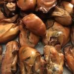 日本酒バー オール・ザット・ジャズ - 牡蠣の燻製