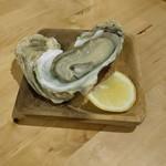 EMON - ちゅるるん生牡蠣(´,,•ω•,,`)