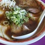 豚菜館 - いわゆる中華そばっぽいけど、醤油の切れ味・深みがあります。