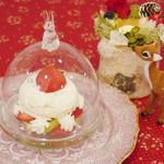 マイペリドット カフェ - ふわふわチーズケーキとフルーツ3種