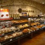 サンドッグイン神戸屋 - いつ行っても種類豊富