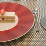 UZAWA - 2012年3月 Aランチ デザート/ドリンク:苺のショートケーキ/コーヒー