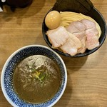 煮干しつけ麺 宮元 - 料理写真:特製極濃煮干しつけ麺・中盛り