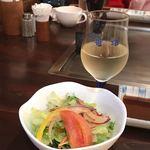 磐梯 - 料理写真:サラダとドリンクのセット (ソフトドリンクorワイン)