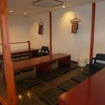 中華厨屯知 - 大宴会用に仕切りを外すと、8人用のテーブルが3列できます。(写真のタイプ:最大24名様)