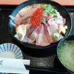 伊豆太郎 - 伊東の地魚海鮮丼 2280円