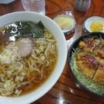 アルカディア - 料理写真:ラーメン ミニヒレかつ丼
