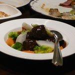ウイステリア - 牛肉のパテ デミグラスソース