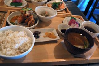 A to Z cafe - お肉のランチ(若鶏の黒胡椒揚げ)