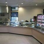 天然わかさぎ温泉いこいの館 わかさぎ - 食堂の入口 小鉢を入口近くで選べるカウンターサービスもあります