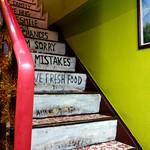 ネワパサ - 入店するとすぐに階段