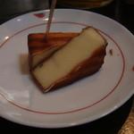 11921545 - 自家製のスモークチーズ