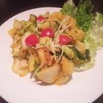 インド・アジアンダイニング ブルースカイ - 名前を忘れたけどジャガイモのネパール風サラダ