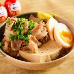 牛ホルモン肉豆腐