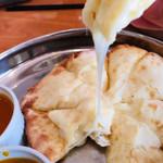 インドアジアダイニング - チーズトロけます