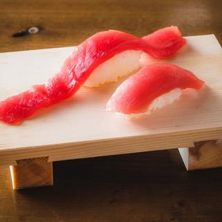 ■日本一の大ネタ寿司も食べ放題!