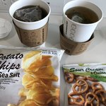 スターバックスコーヒー - ほうじ茶とポテトチップス、プレッツェル