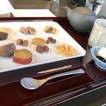 119253572 - かわむら味わいプレート                         加賀棒茶付き