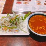 119256576 - スープとサラダ
