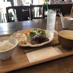 まちかど農園カフェ POSTo - 本日のランチ(ハンバーグデミグラスソース)