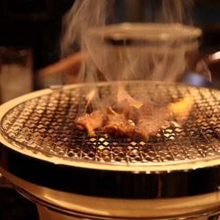 炭火焼肉レトロ七輪肉を無性に食べたいならココ!