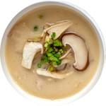 トータルフーズ - 5種のキノコと鶏団子の豆乳かす汁
