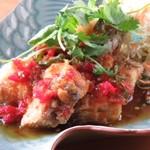 Sawadee Lemongrass Grill - 魚の甘辛揚げ
