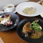 【ランチ】前菜+魚料理+肉料理+デザートのシェフおすすめコース<全4品>
