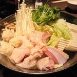 名古屋コーチン専門 個室 鳥銀邸 はなれ - 名古屋コーチンと新鮮野菜の水炊き(´∀`)