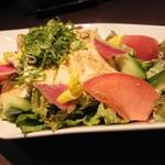 名古屋コーチン専門 個室 鳥銀邸 はなれ - 九条ネギと豆腐のサラダ