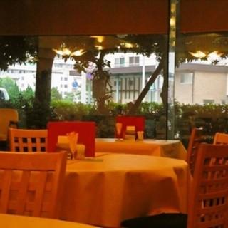 【こだわりの空間】ゆっくりとお食事出来る居心地の良い雰囲気