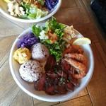 ロコズ キッチン ブリック ハウス - 料理写真:サーフ&ターフプレート 1280円+税