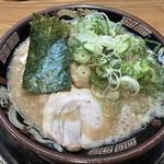 関西 風来軒 - 豚骨ラーメン800円(税込)
